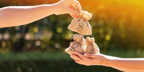 Cara Mendapatkan Uang Saat Liburan