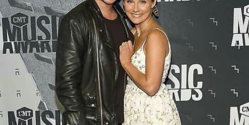 Clare Bowen Menikah Dengan Brandon Robert Young