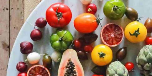 10 Makanan Yang Bisa Bantu Hindari Risiko Kanker Payudara
