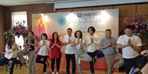 Hadiri Festival Yoga Terbesar di Jakarta