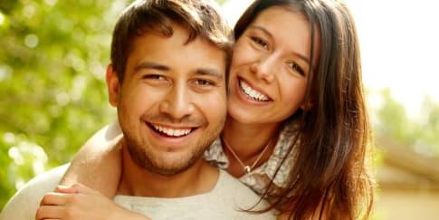Hindari Ini Jika Berpacaran Dengan Pria Lebih Muda
