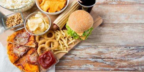 Hindari Konsumsi Makanan Ini Saat Haid!