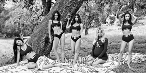 Kardashian Kembali Curi Perhatian di Iklan Calvin Klein
