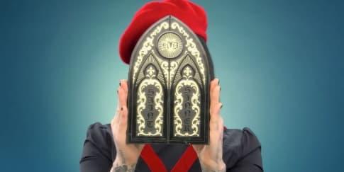 Kat Von D Luncurkan Palet Eyeshadow Saint & Sinner