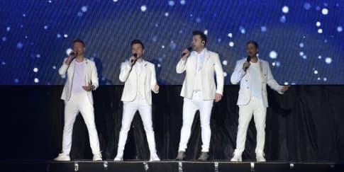 Kejutan Menyenangkan Westlife Saat Konser di Semarang