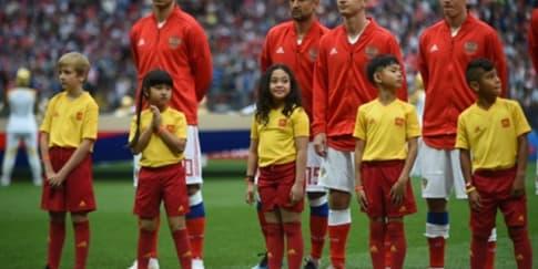Kisah Raina yang Jadi Player Escort di Piala Dunia 2018