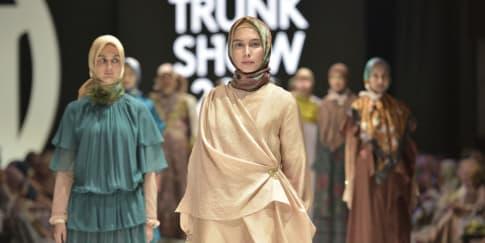 Kolaborasi Mode dan Seni di Ria Miranda Trunk Show 2019