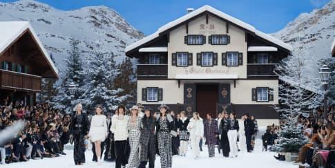 Koleksi Busana Terakhir Karl Lagerfeld untuk Chanel