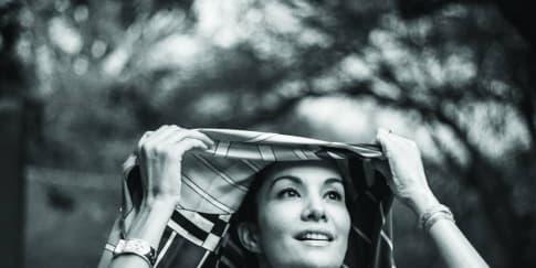 Membaca Nadya Hutagalung Lewat 'Walk With Me'