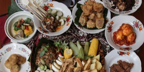 Mencicipi 'Indonesia' lewat Makanan Khas Daerah