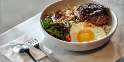 Mencicipi Kopi Asli Italia dan Makanan Fusion Segafredo