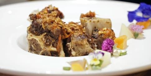 Mencicipi Kuliner Khas di Indonesia Food & Art Festival