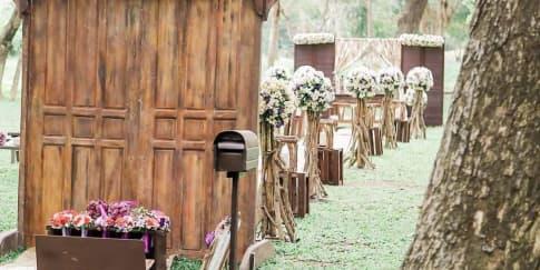 Mengadakan Pernikahan di Taman? Jangan Lupakan Ini!