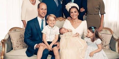 Mengintip 4 Foto 'Resmi' Pembaptisan Pangeran Louis
