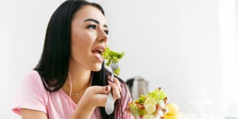 Panduan Nutrisi untuk Perempuan di Usia 20, 30, 40-an