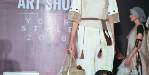 Peragaan Busana Perdana Sekolah Mode Timi Saschi