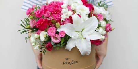 Pilih dan Rangkai Bunga Indah Ala Kamu Di Sini