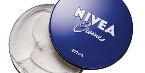 Rawat Kelembapan & Kekenyalan Kulit dengan Nivea Creme