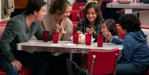 Review Film: 'Instant Family'