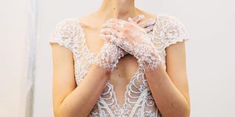 Sarung Tangan yang Sesuai Dengan Gaun Pengantin