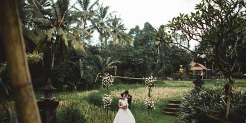 Sensasi Menikah Berlatar Alam Lepas Di Plataran Canggu