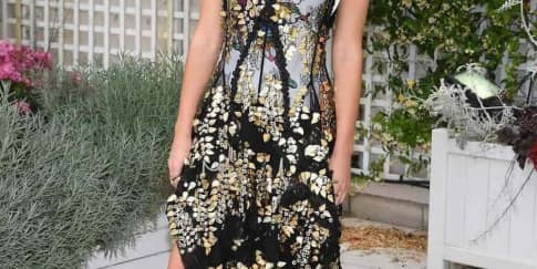 Spotted: Emma Watson Mengenakan Louis Vuitton