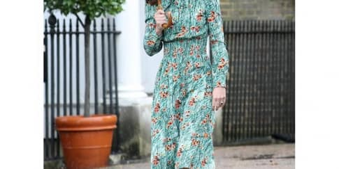 Spotted: Kate Middleton Mengenakan Prada