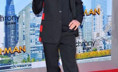 Spotted: Robert Downey Jr. Mengenakan Givenchy
