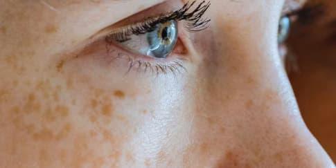 10 Cara Yang Berhasil Mengecilkan Pori-Pori Wajah