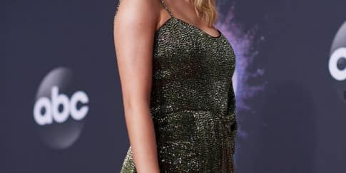 Taylor Swift Menang Banyak di American Music Award 2019