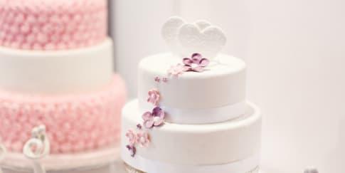 Tips Membuat Kue Pengantin Sendiri