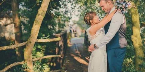 Tips Memilih Lagu untuk Diputar di Resepsi Pernikahan
