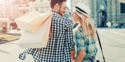 Tips Menemani Pasangan Berbelanja