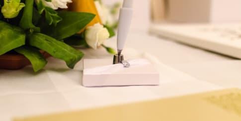 Tips Menghias Meja Penerima Tamu di Pernikahan