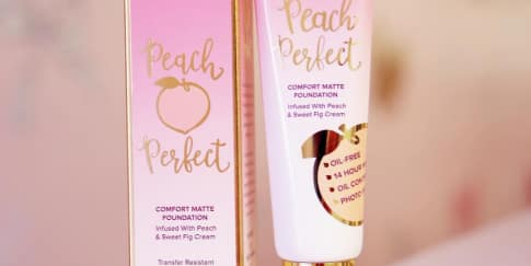 Too Faced Hadirkan Alas Bedak Peach Perfect