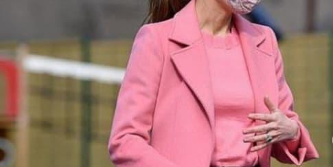 Busana Pink Kate Middleton Usai Wawancara Harry dan Meghan