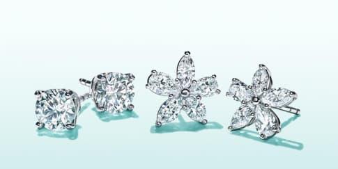 Warna Perhiasan yang Cocok untuk Gaun Pengantin Anda