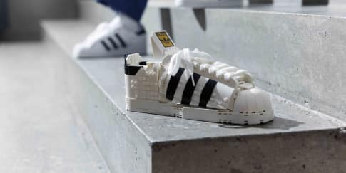 Adidas Originals dan LEGO Group Luncurkan Sneaker Superstar