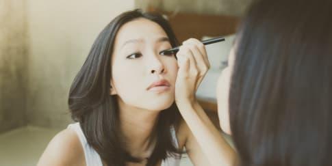 6 Eyeliner Lokal Bikin Makeup Mata Cantik Saat Pakai Masker