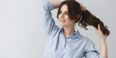 7 Rekomendasi Sampo Untuk Atasi Rambut Lepek