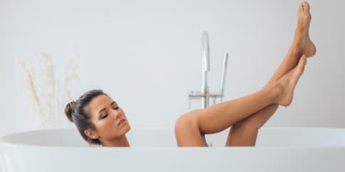 7 Cara Kreatif Menggunakan Bath Salt Untuk Self Care