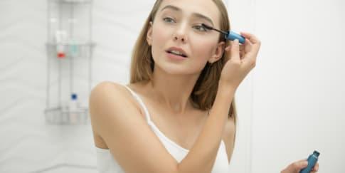 Cara Memilih Maskara Yang Bagus Sesuai Tipe Bulu Mata