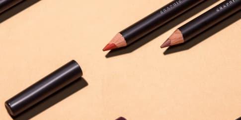 Zoeva Hadirkan Pensil Bibir Graphic Lips