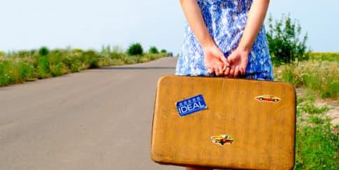 Kartu Pos: Resign Dari Kantor dan Travel? Tunggu Dulu!