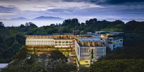 Padma Hotel Bandung Raih Penghargaan Pelayanan Terbaik