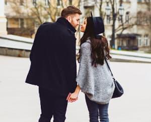 4 Trik Agar Tetap Romantis Setelah Menikah
