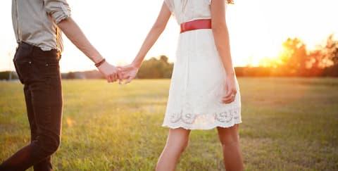 5 Waktu yang Berbahaya untuk Jatuh Cinta