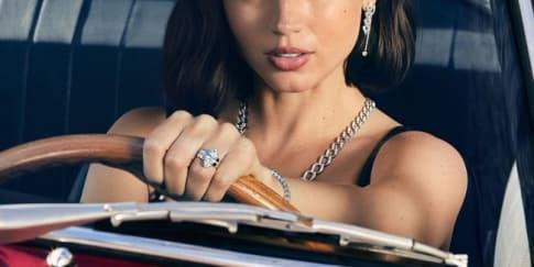 Mengenal Sosok Ana de Armas, Bond Girl di 'No Time No Die'