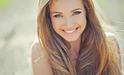 5 Manfaat Tersenyum untuk Kesehatan