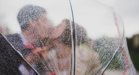 Tips Membuat Pesta Pernikahan di Musim Hujan